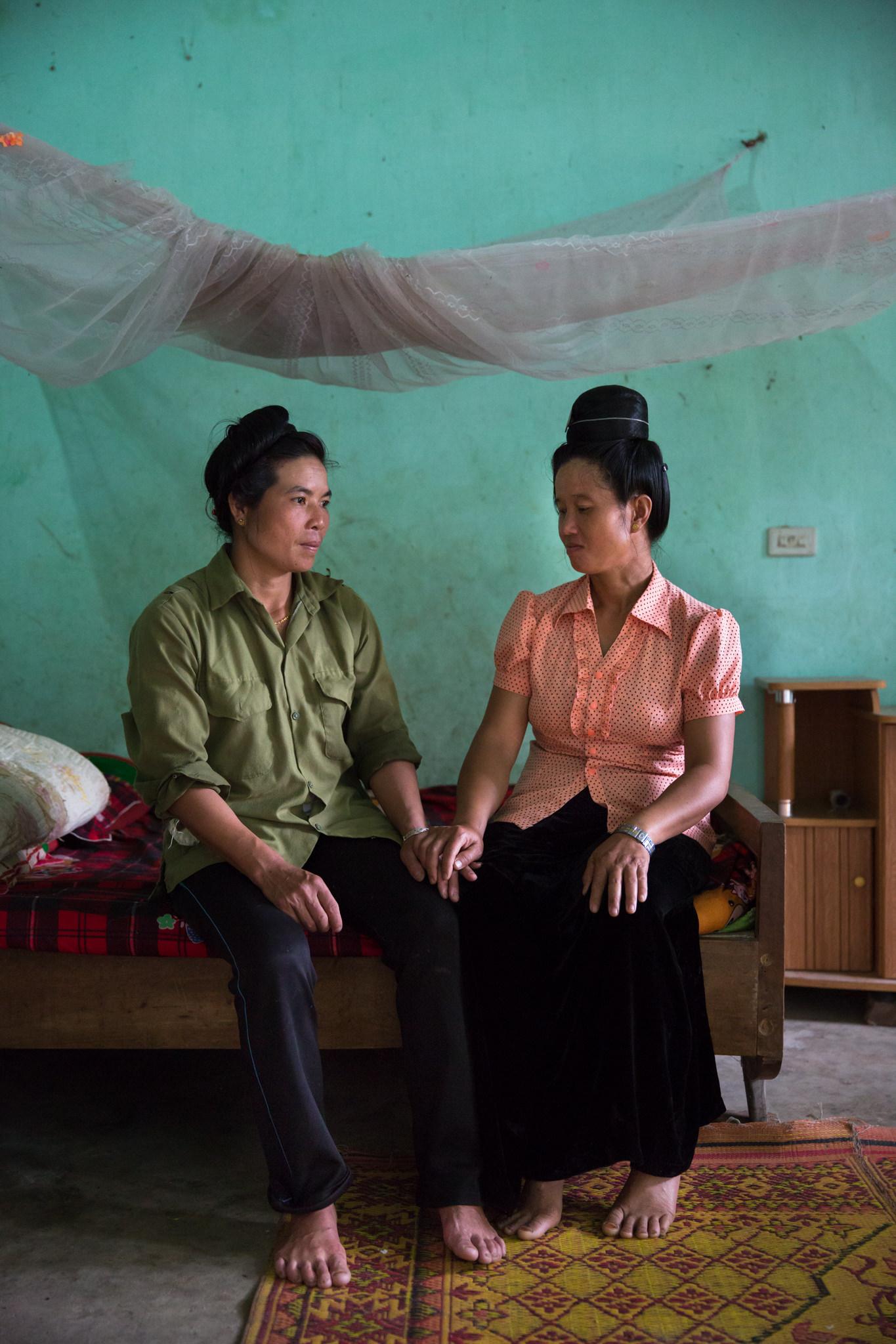 Travel Portrait of Ethnic Minority women for MAC AIDS | Vietnam Portrait Photographer
